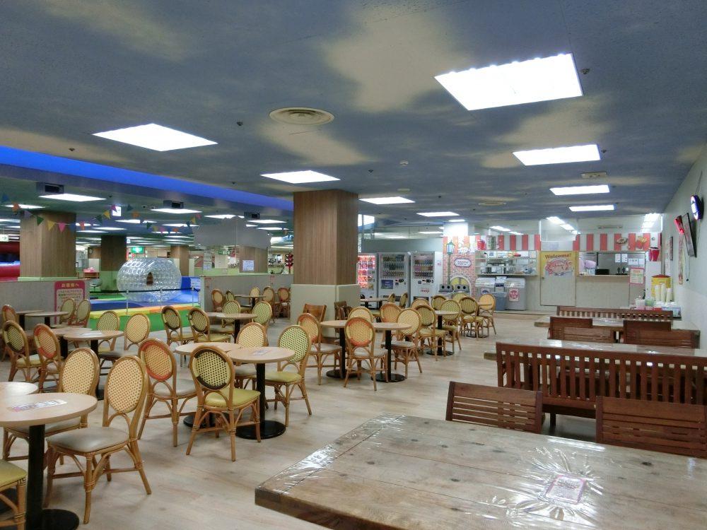 愛知県大口町の子供の遊び場「アメイジングワールド大口店」2017(お昼ごはん編)